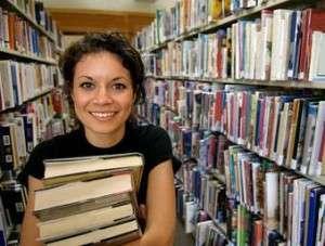 Chica-biblioteca
